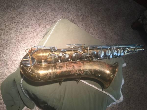 Photo The Indiana  tenor sax by Martin - $375 (Pinetop, AZ)