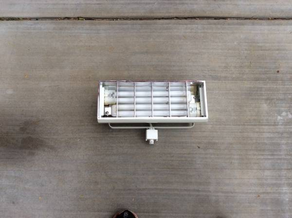 Photo Track Lighting Fluorescent Fixture (Gold Canyon)