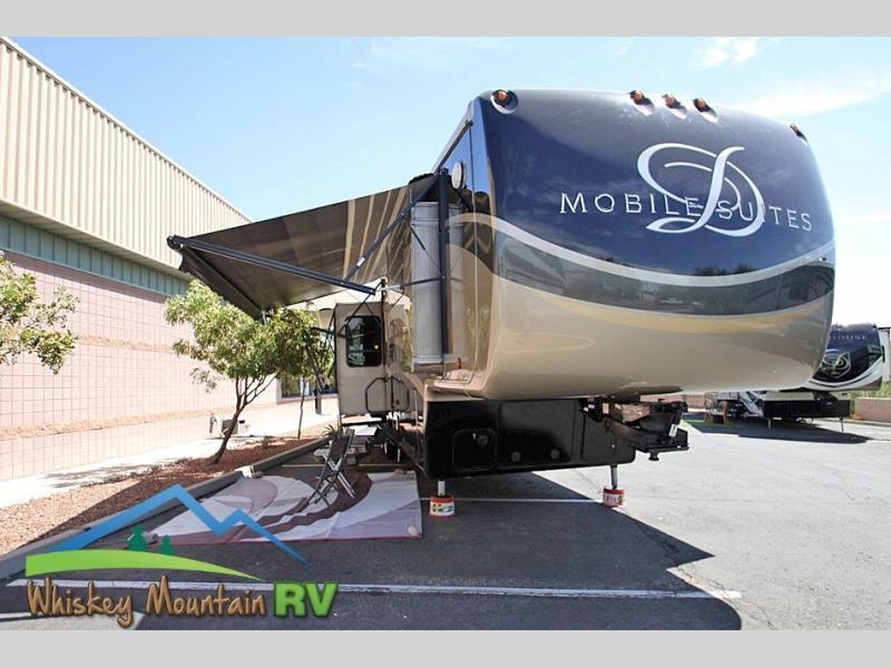 Photo 2013 DRV LUXURY SUITES Mobile Suites 38 TKSB4 - 40 Quad Slide - Full Body Pai $64900
