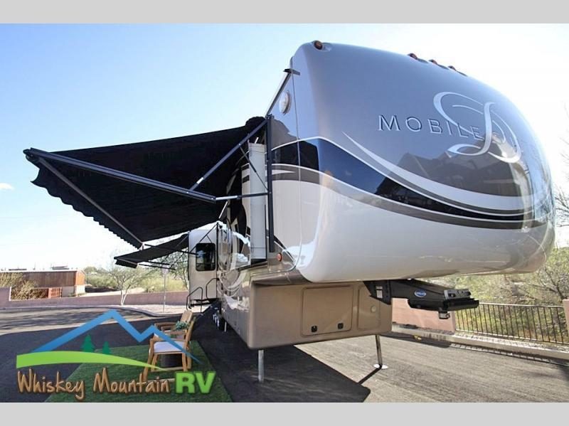 Photo 2016 DRV LUXURY SUITES Mobile Suites 43 Naples - 46 Quad Slide 1 Owner 1 Year $99900