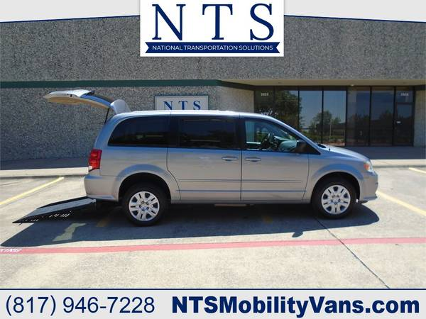 Photo 14 DODGE GRAND CARAVAN REARENTRY WHEELCHAIR MOBILITY HANDICAP RAMP VAN - $19500 (Irving, TX)