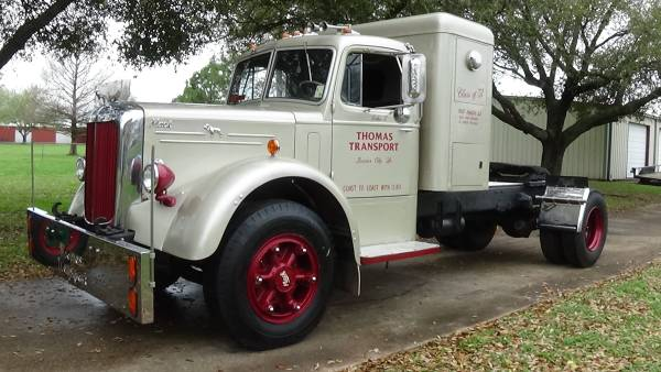 Photo 1951 LJ Mack Sleeper Truck - $12000 (Bossier)