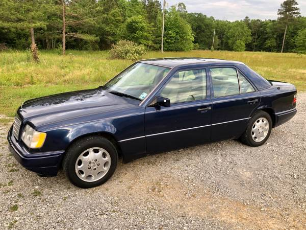Photo 1995 Mercedes E320 - $5,000 (Coushatta)
