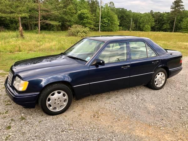 Photo 1995 Mercedes E320 - $5,500 (Coushatta)