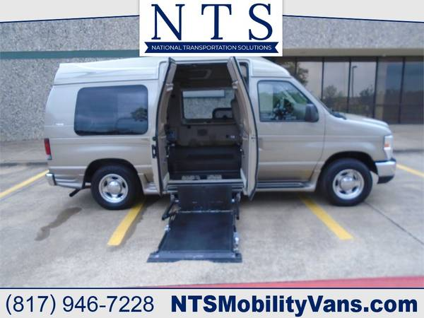 Photo 2008 FORD E150 VAN MOBILITY HANDICAPPED WHEELCHAIR LIFT POWER DOORS - $19750 (Irving, TX)