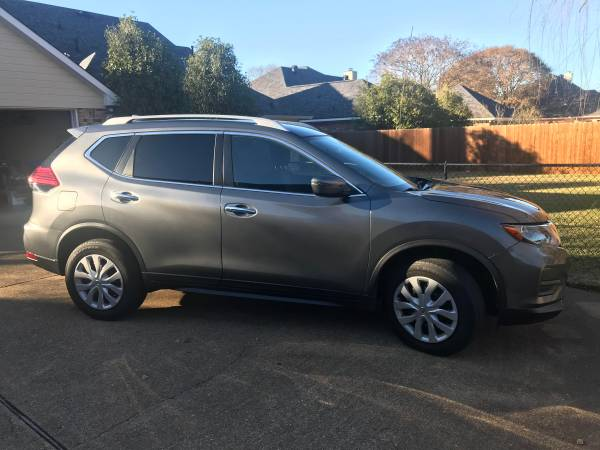 Photo 2017 Nissan Rogue S AWD - $15,000 (Shreveport)
