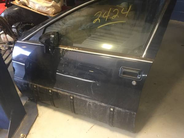 Photo Cadillac 1992 thru 1996 Fleetwood body parts - $225 (Shreveport)