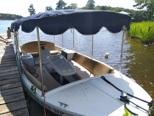 Photo DUFFY ELECTRIC BOAT WITH TRAILER - $5000 (Shreveport)