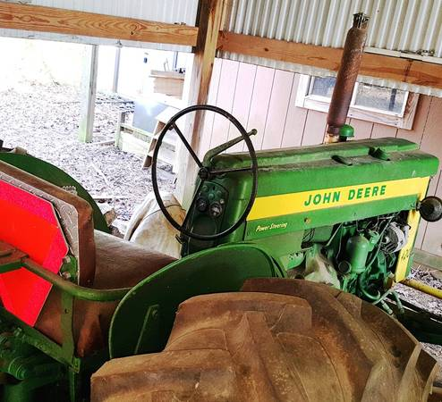 Photo Late 3950s John Deere 420 Tractor All original, works, great condition - $4000 (near Atlanta, TX)