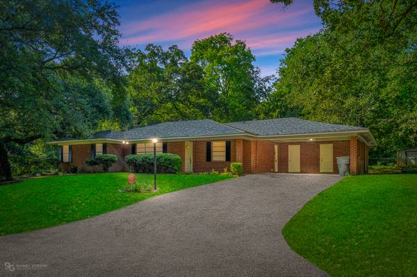 Photo New Listing near Cross Lake  Open House Saturday (Lake Forest Hills)