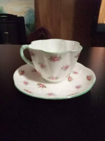 Photo Rosebud Shelley Fine Bone China, Teacup  Saucer - $50 (Bossier)