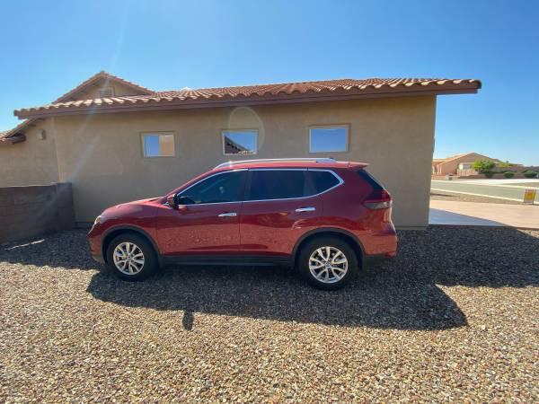 Photo 2018 Nissan Rogue SV FWD - Sports Utility 4D - $21,999 (Sierra Vista)