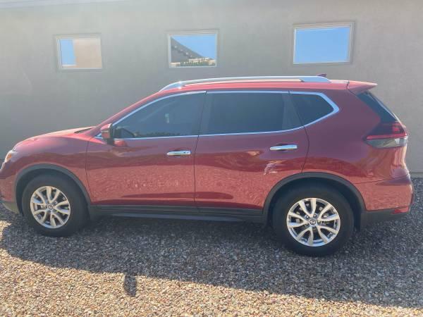Photo 2018 Nissan Rogue SV FWD - Sports Utility 4D - $19,100 (Sierra Vista)