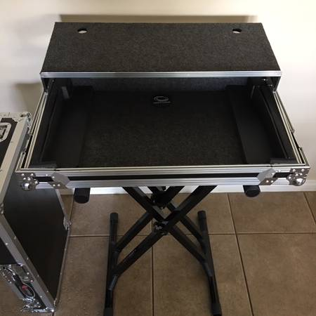 Photo DJ Odyssey Glide Case  Stand - brand new - $200 (Gilbert)