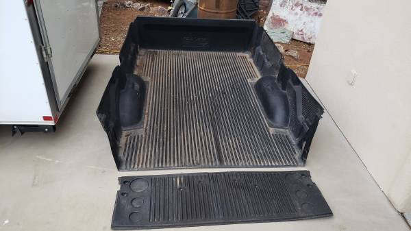 Photo Great Condition 8-Foot Bed Liner for 2011-2018 Dodge - $100 (Herford)