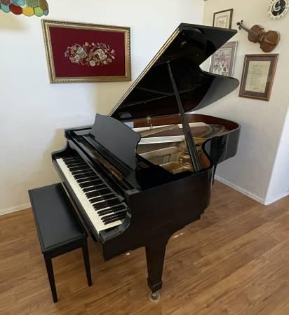 Photo KAWAI 68 KG-5C MODEL GRAND PIANO - $15,000 (Sierra Vista, AZ)