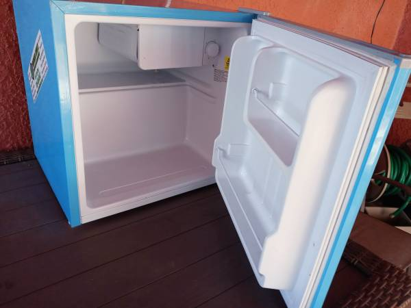 Photo Mini fridge - $33 (Sierra Vist)