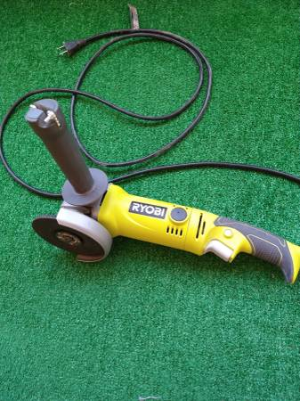 Photo Ryobi 7.5A 4.5quot Angle Grinder Like New - $40 (Hereford)