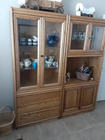 Photo dining room table and 2 china cabinets - $1,000 (SIERRA VISTA)