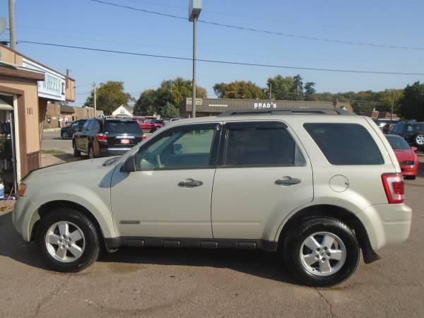 Photo 08 Ford Escape XLT 4wd 117K - $4,800 (sioux city)