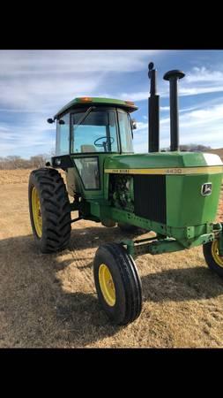 Photo 1975 John Deere 4430 tractor - $17900