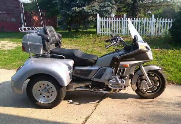 Photo 1985 Honda Goldwing 1200 GL Trike - $6,700 (hinton, ia)
