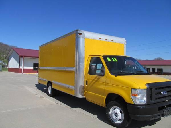 Photo 2011 Ford Econoline E350 Cutaway Van (NICE) - $14,850 (New Horizons Auto Center, Council Bluffs, IA)