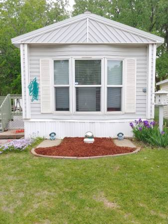 Photo 2 Bedroom 1 Bath Cozy Mobile Home (Lake Forest)