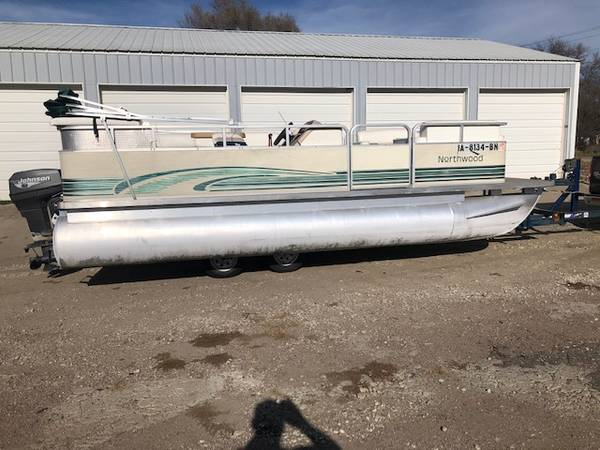 Photo 3 Pontoon Boats $8,000. Or Under (Ponca, Nebraska)