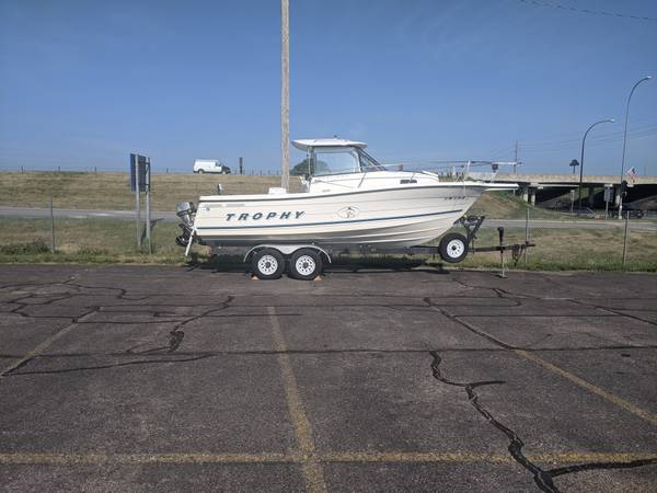 Photo 96 Bayliner Trophy Fishing Boat - $25,000 (N. Sioux City, SD)