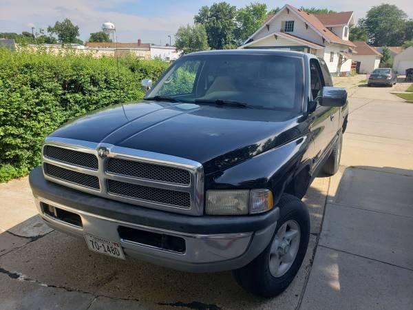Photo 97 Dodge Ram 1500 Laramie SLT 4WD V8 5.9 - $2000 (South Sioux City)
