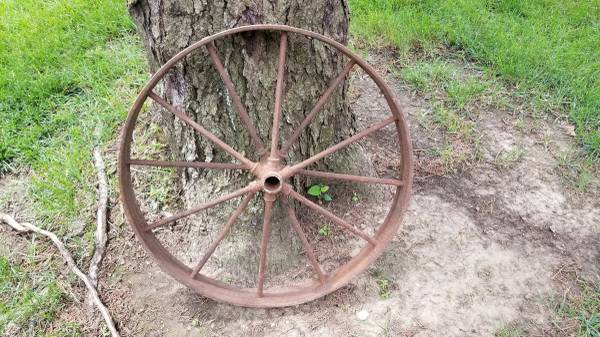 Photo Antique Steel Wheel from Old Farm Wagon - $45 (SIOUX CITY)