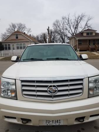 Photo Cadillac escalade luxury - $5800 (South sioux city ne)