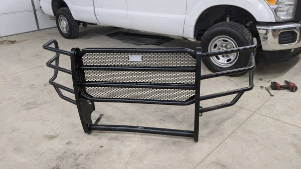 Photo Ford Super Duty Ranch hand grill guard f250 2012 2013 - $200 (Sioux City)
