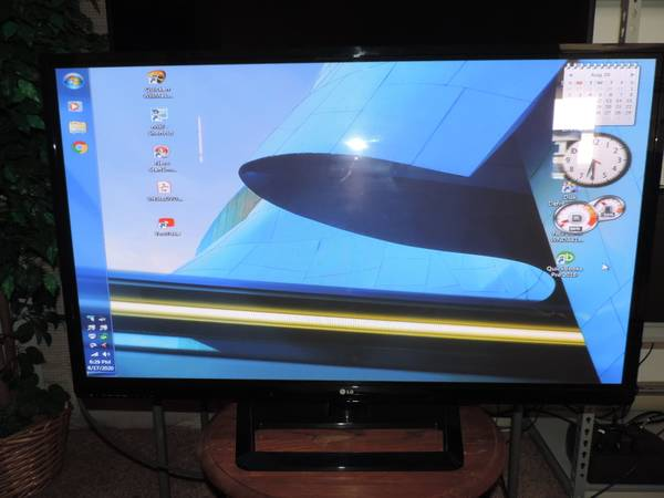 Photo LG 52 Big Screen TV 600MHz Processor Great Picture Excellent Game TV - $99 (Beresford)