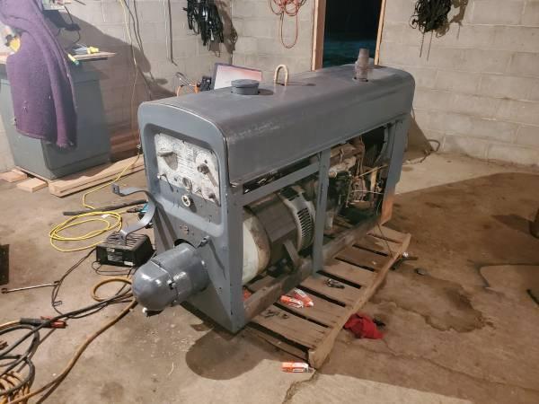 Photo Lincoln SA 200 Portable Welder - $3,500 (Moville)