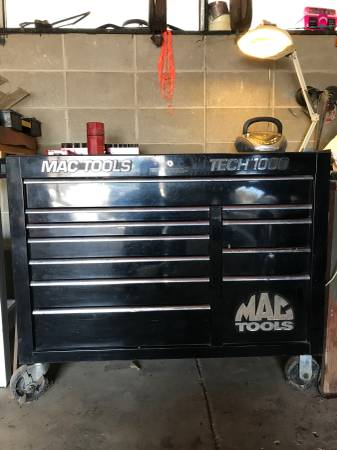 Photo Mac tool box and tools - $9000 (Sioux City Northside)