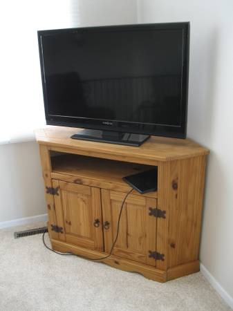 Photo Nice Corner TV Stand Cabinet - $100 (SUX)