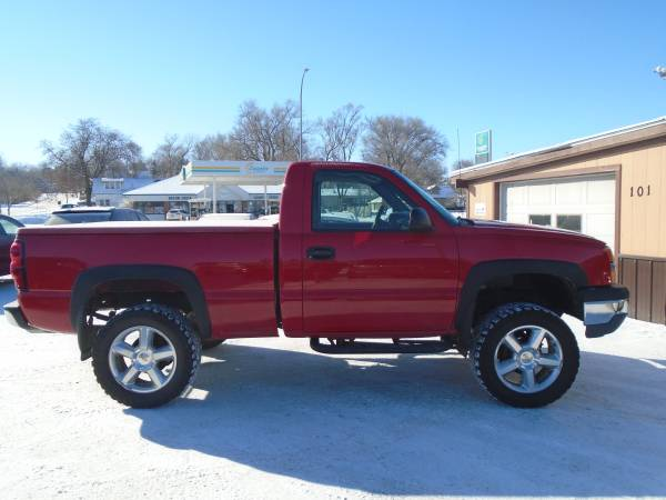 Photo SALE.....04 Chevy Silverado Reg Cab Short Box 4wd Lifted - $7999 (sioux city)