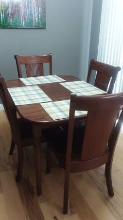 Photo Solid Oak Dining Table and Six Chairs - $1450