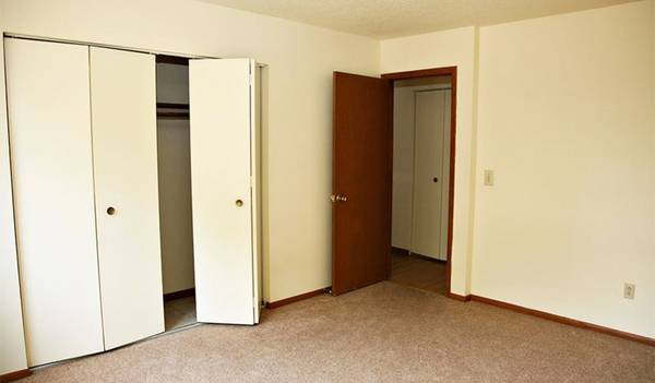 Photo Today is YOUR day to find YOUR new home (1610 C Street, South Sioux City, NE, US)