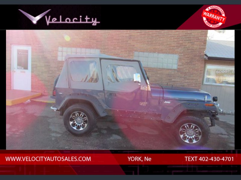Photo Used 1994 Jeep Wrangler 4WD Sahara for sale