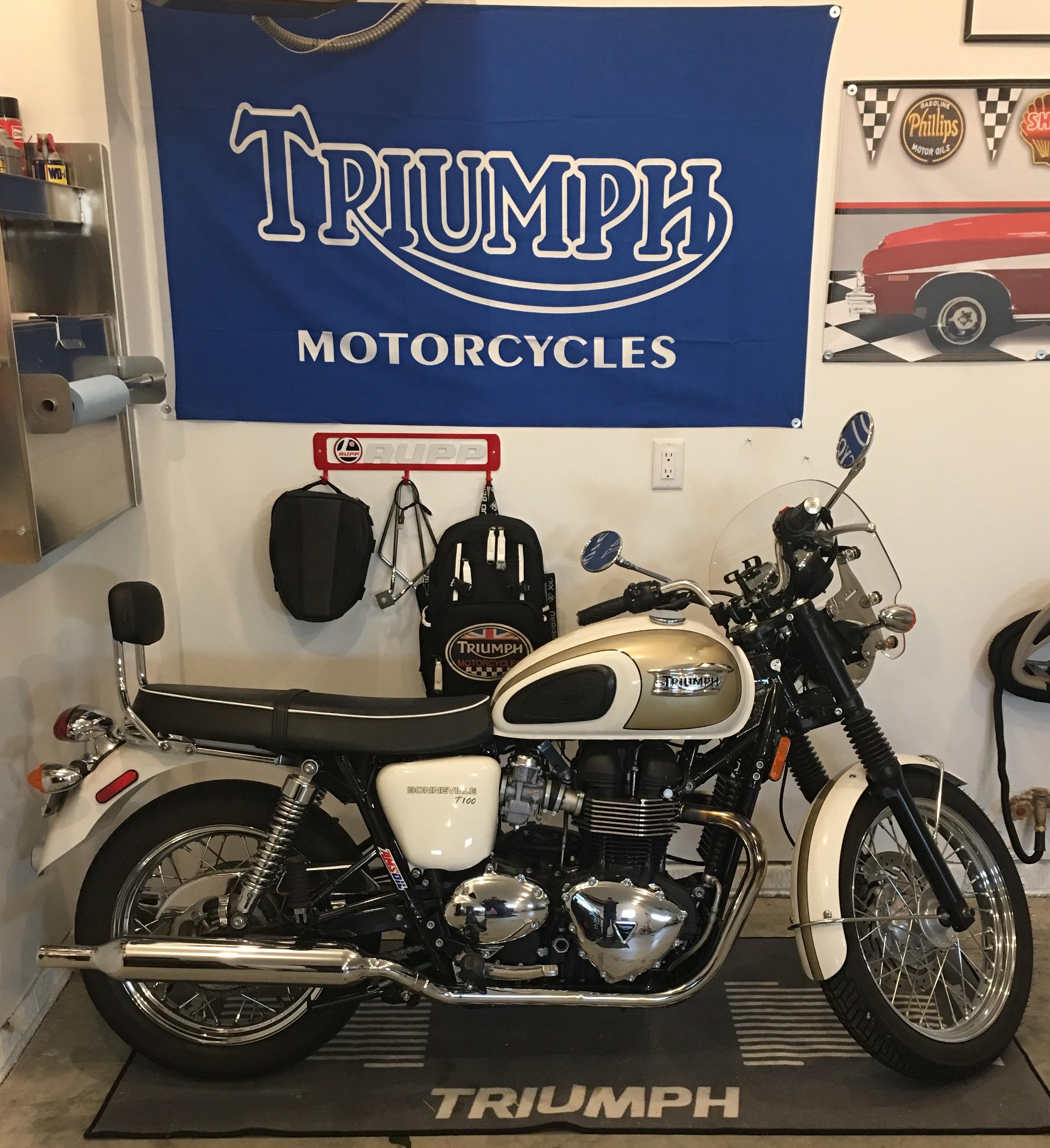 Photo 2016 Triumph BONNEVILLE T100 $166.98166.98