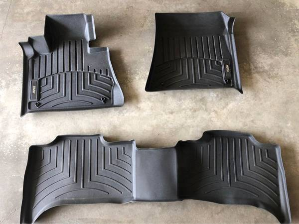 Photo 06-13 BMW X5 Floor Mat Set Front and Rear - $100 (Sioux Falls)