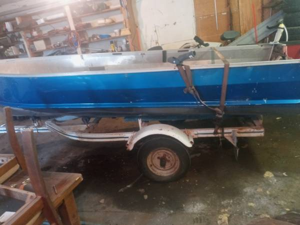 Photo 14 foot starcraft boat - $300 (Sioux falls)
