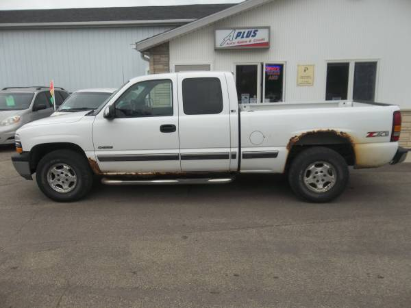 Photo 2002 Chevy Silverado 1500 4x4 - $2,995 (APlus Auto Sales Sioux Falls)
