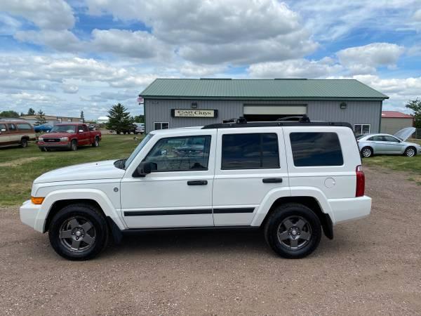 Photo 2006 Jeep Commander Trail Rated 4x47 Passenger - $5,750 (Tea)