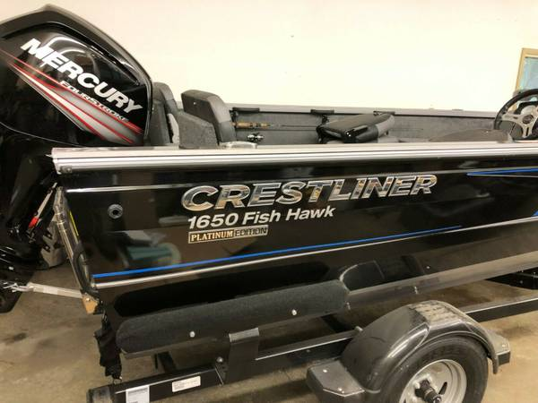 Photo 2018 Crestliner Fish Hawk 1650 Platinum Edition - $24,000 (blue earth)