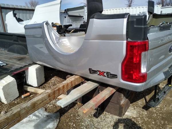 Photo 2019 Ford super duty box truck bed long 8ft - $1,400