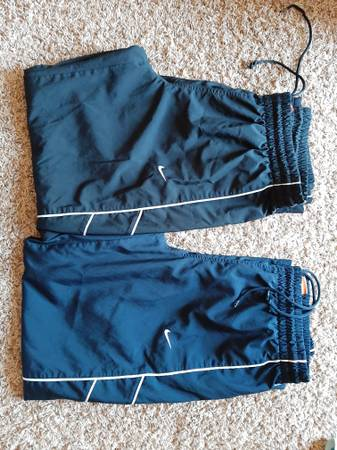 Photo 2 x Nike Womens Workout Athletic Swishy Pants - Large - $25